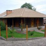 casa de madeira com jardim 150x150 - Casas de Madeira