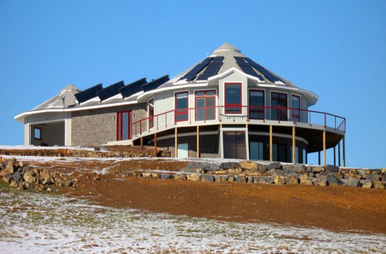mini deltec2 - Conheça A Casa Pré-Fabricada Que Produz Sua Própria Energia